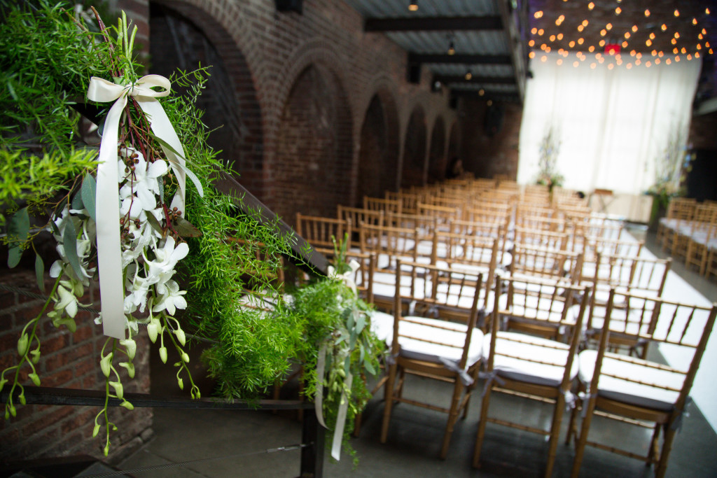 green-and-white-ivy-stair-decor-the-foundry-wedding-ny-1024x683.jpg