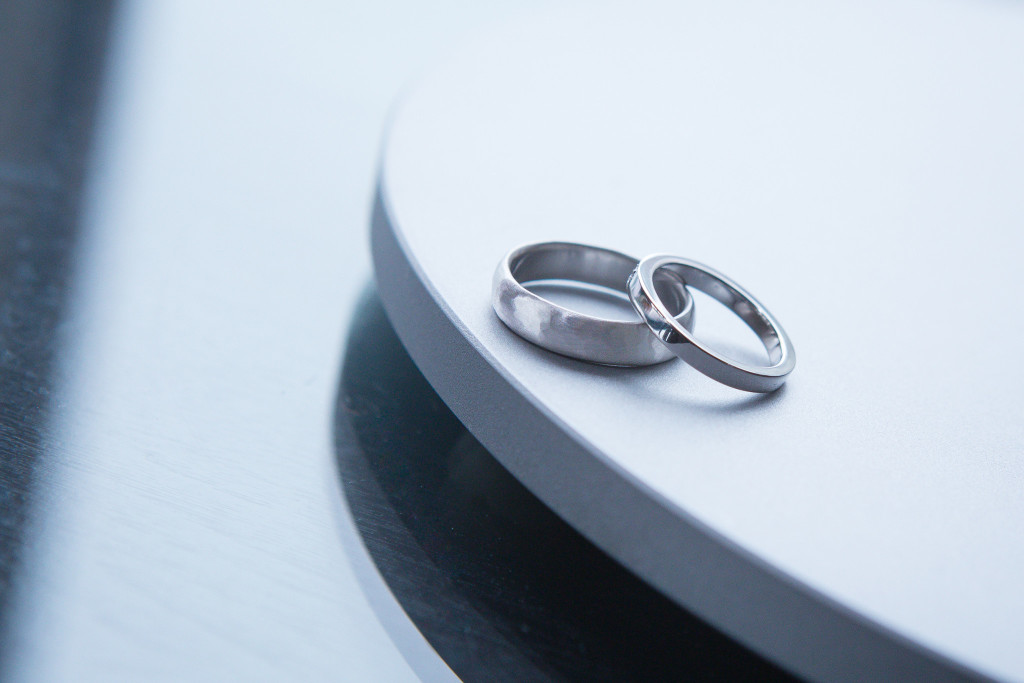 bride-and-groom-rings-the-foundry-wedding-ny-1024x683.jpg