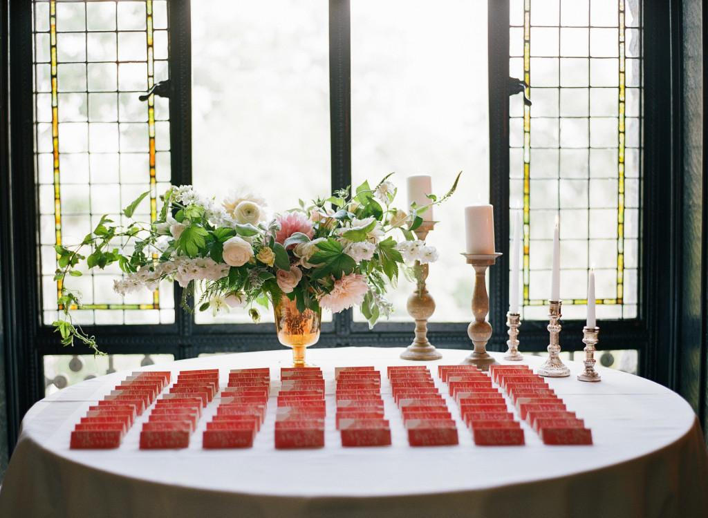 place-card-table-castle-hotel-wedding-tarrytown-ny-1024x750.jpg