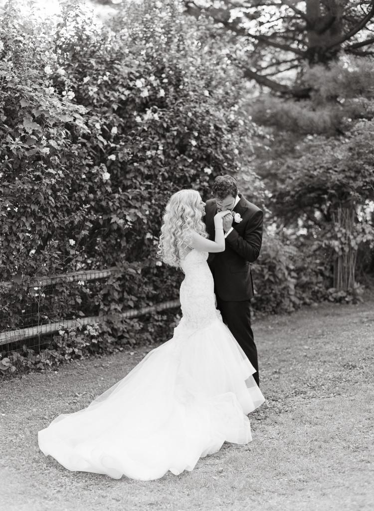 kiss-hand-photo-castle-hotel-wedding-tarrytown-ny-750x1024.jpg