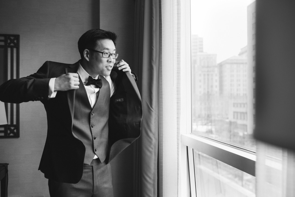 candid-groom-preparation-photos-mymoon-wedding-reminisce-photography-1024x683.jpg