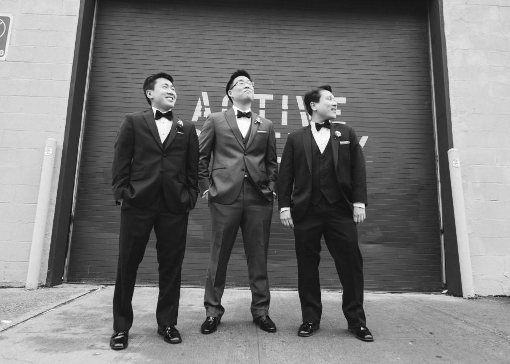 cool-groomsmen-photos-mymoon-wedding-reminisce-photography-1024x731.jpg