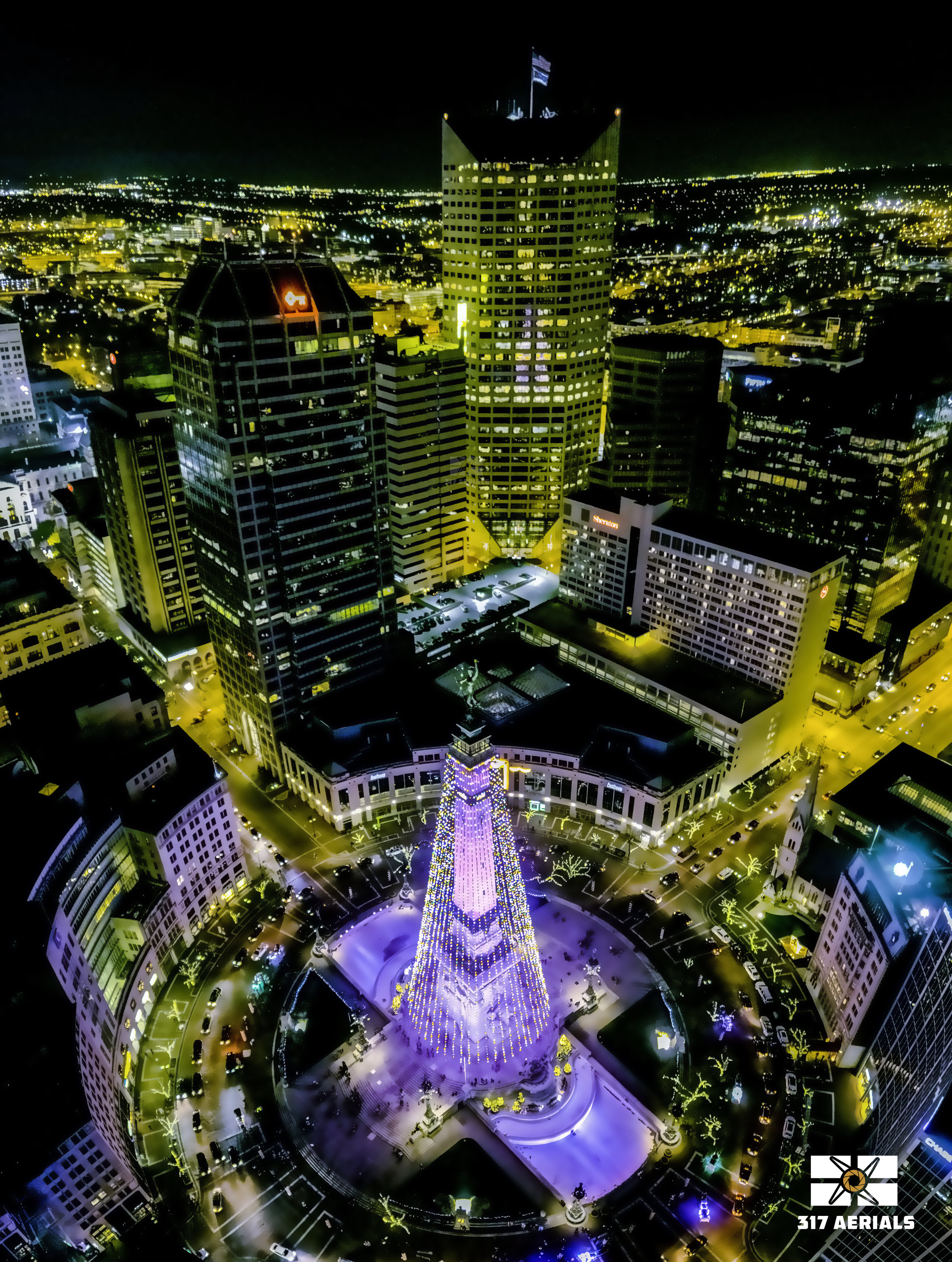 Vertical Panorama | Monument Circle during the Holidays