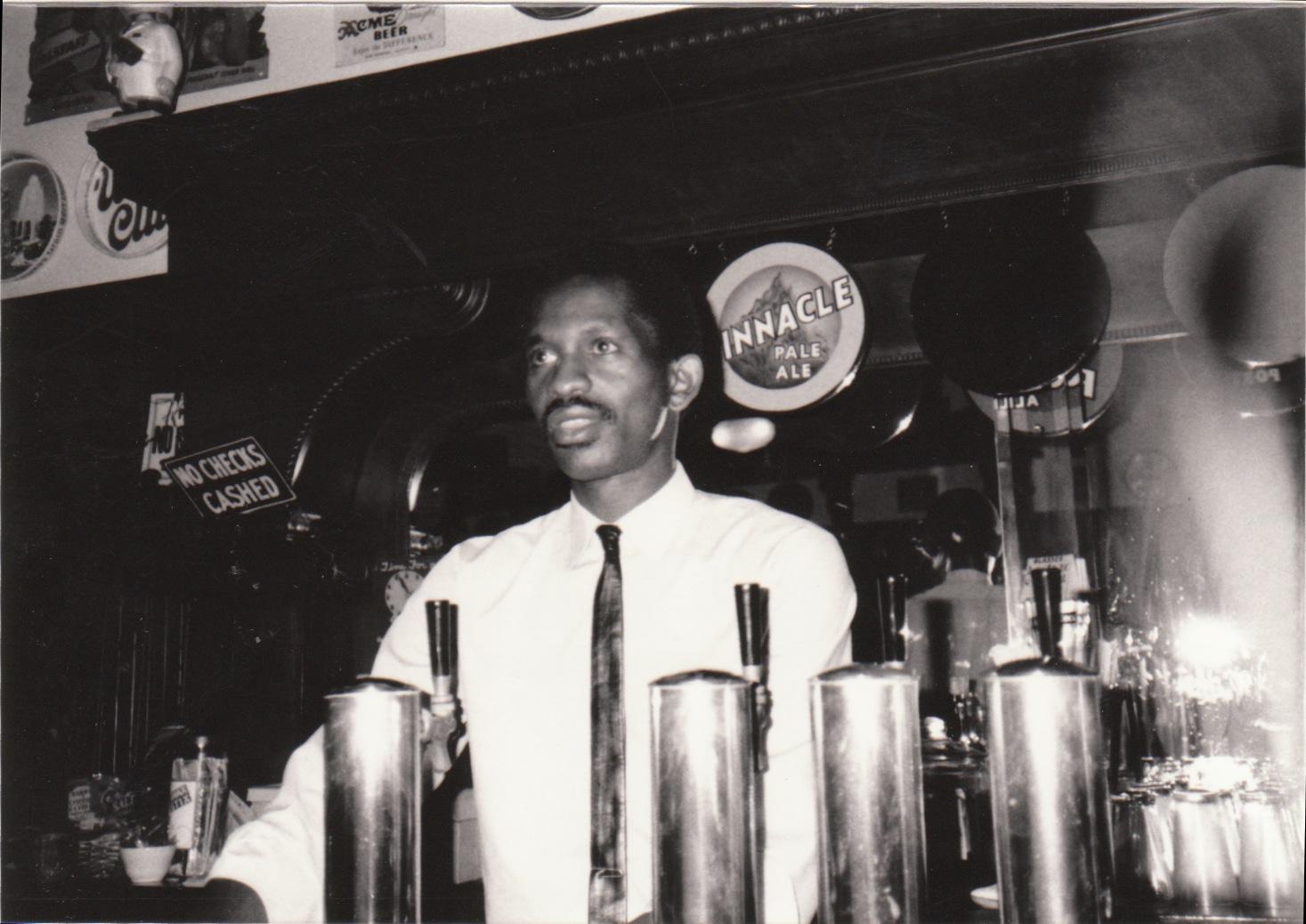 B&W_Bartender2.jpeg