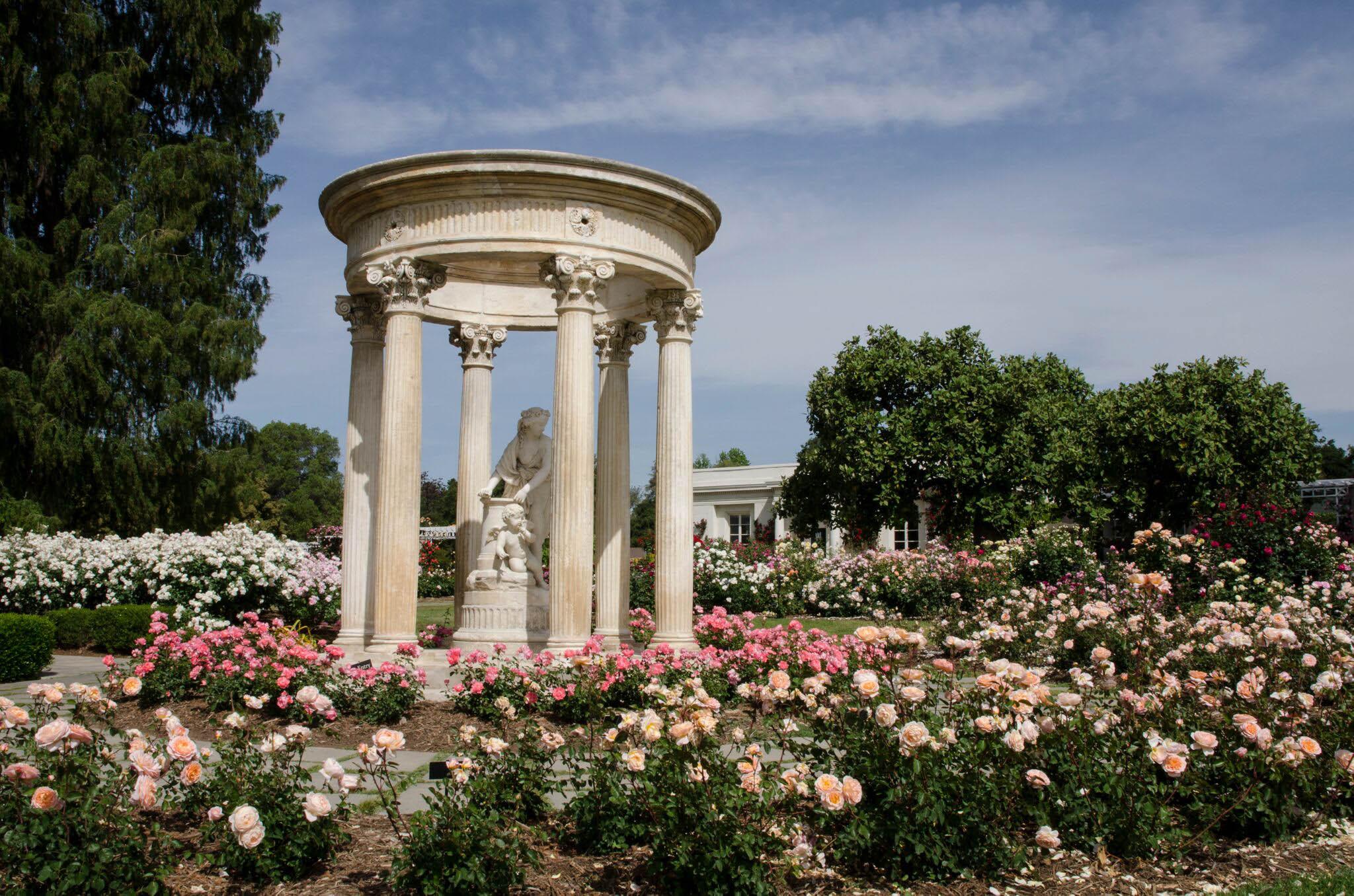 Rose Garden tempietto-2017.jpg