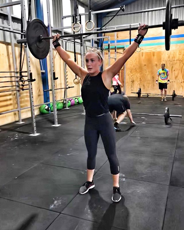 Happy 21st Birthday @a11yk4y 🎉 —- From all the Crew at Vanguard 🙌🏼 —- #Strong #Woman #Fit #Community #Friends #BetterThanYesterday #Sisters #Gymnastics #OlympicLifting #Conditioning #Weapon #Goals #MuscleUp