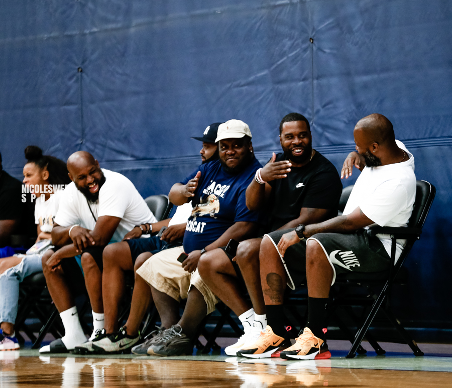 Live from court side catching game action fro Pro-City NYC ( Photo by: @nicolesweetsports)