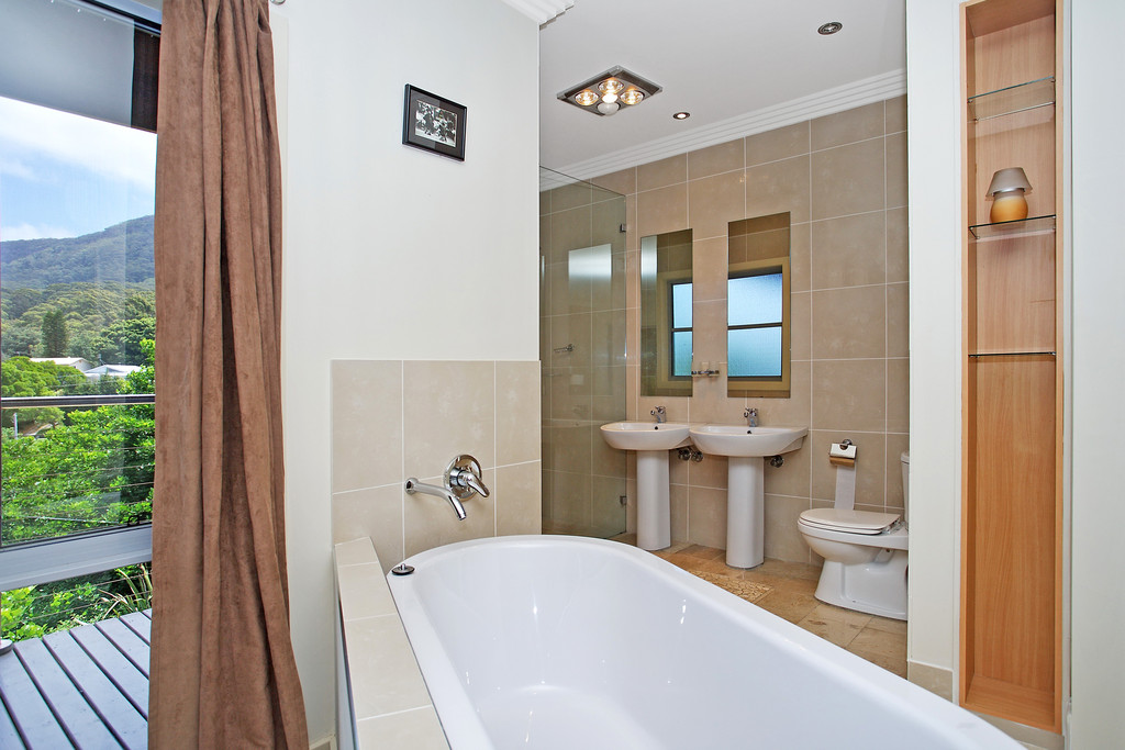 Open2view ID116105 - 467 Main Rd_ Scarborough - 016.jpg