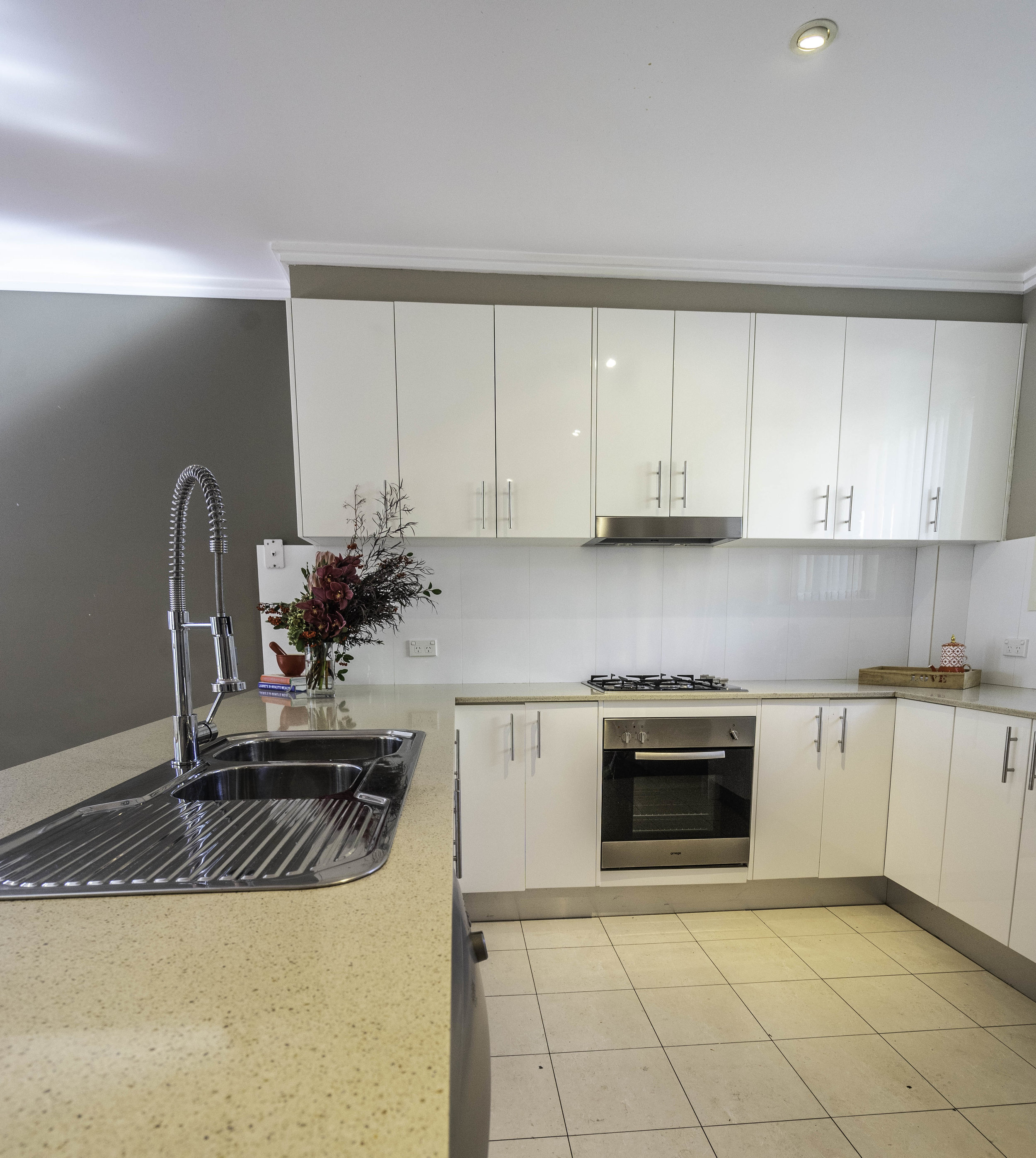 460 Princes Hway_14_kitchen.jpg