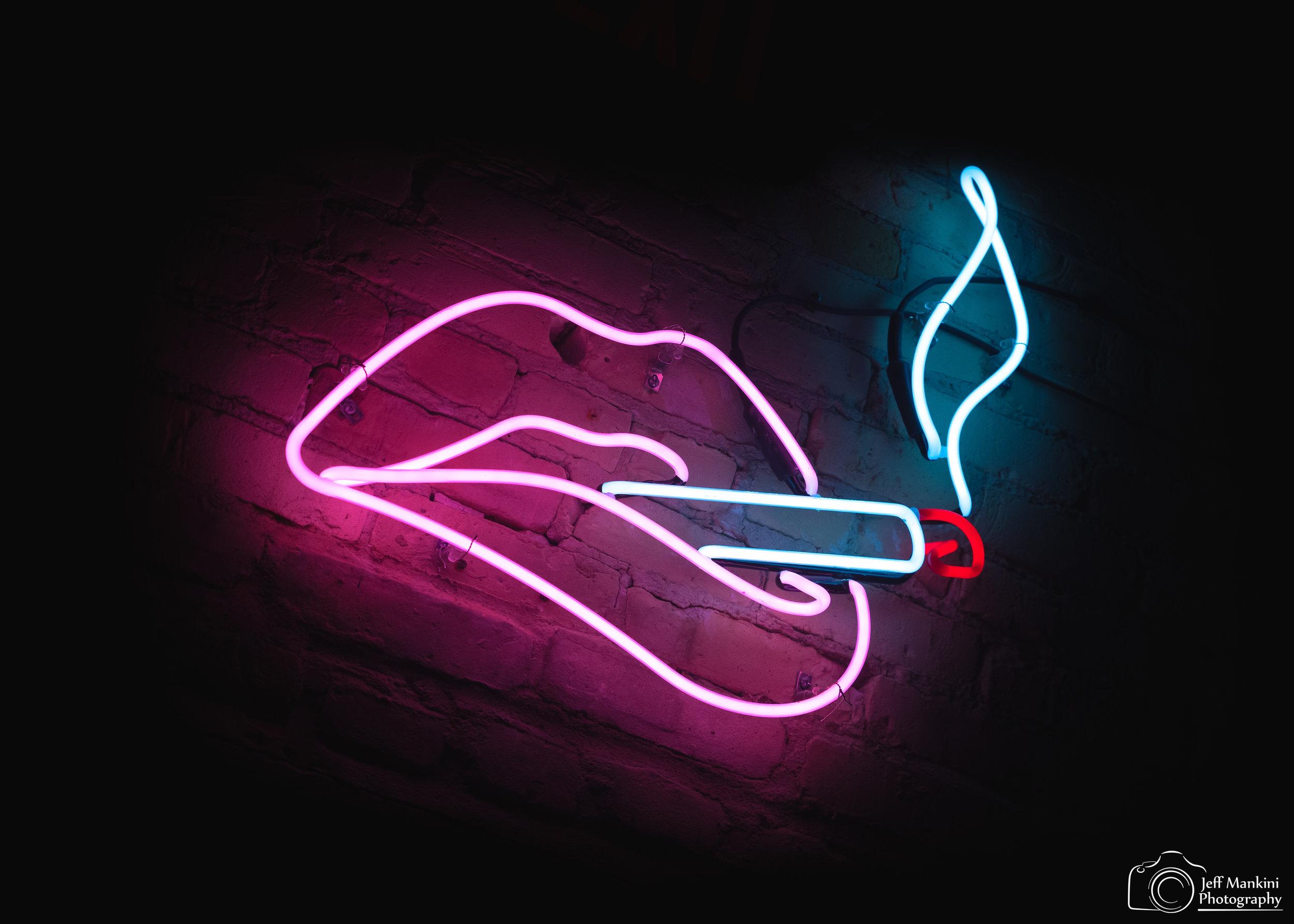 Neon Lips.jpg