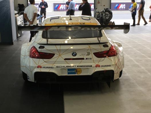 BMW M6 GT3 Pit