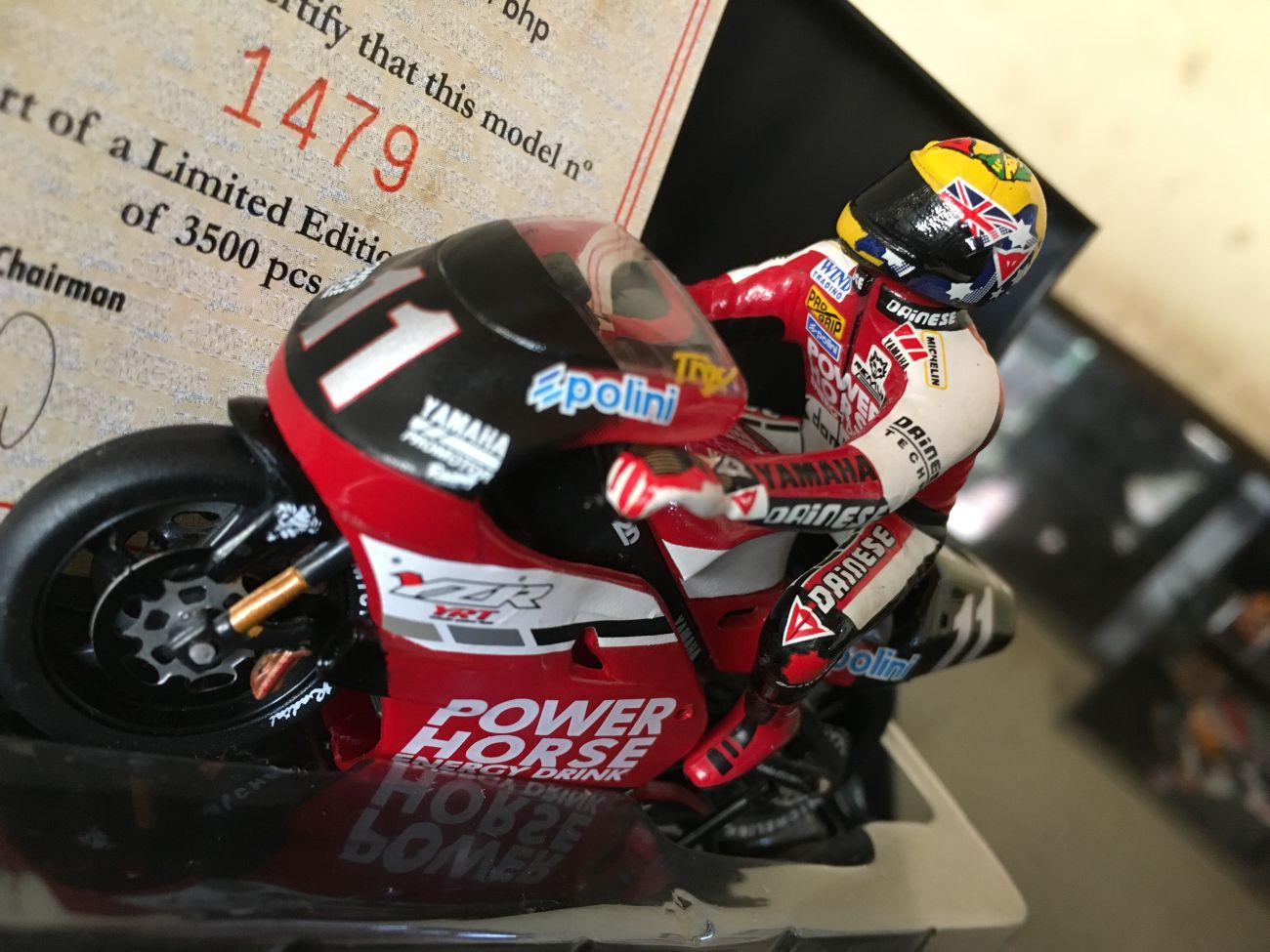 Troy Corser Yamaha YZR500 Power Horse 1:24 Model with Rider
