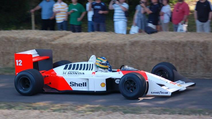 · 1988 McLaren MP4/4 Championship winner (T19)