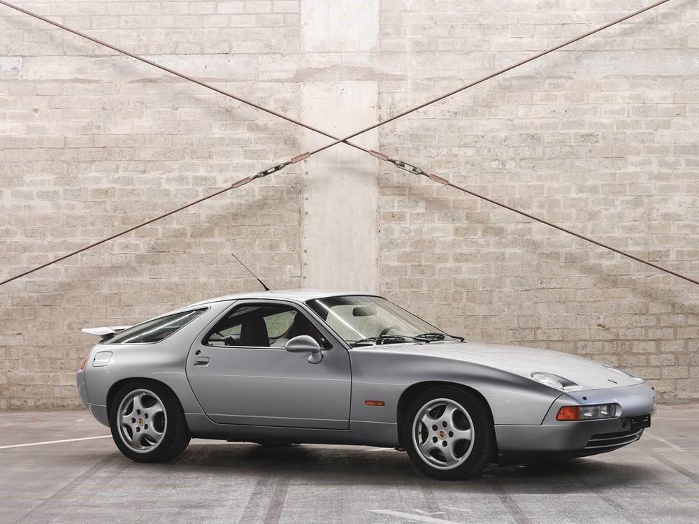RM Sotheby's  : 1992 Porsche 928 GTS