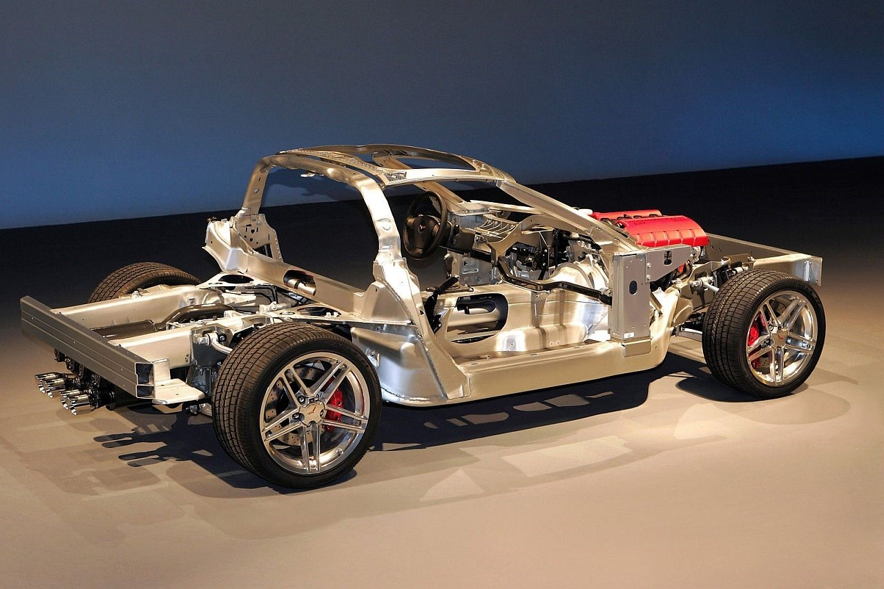 The 2006 Z06 Corvette frame was developed to include a fixed roof panel for additional rigidity throughout the car. (Image courtesy of GM Media.)