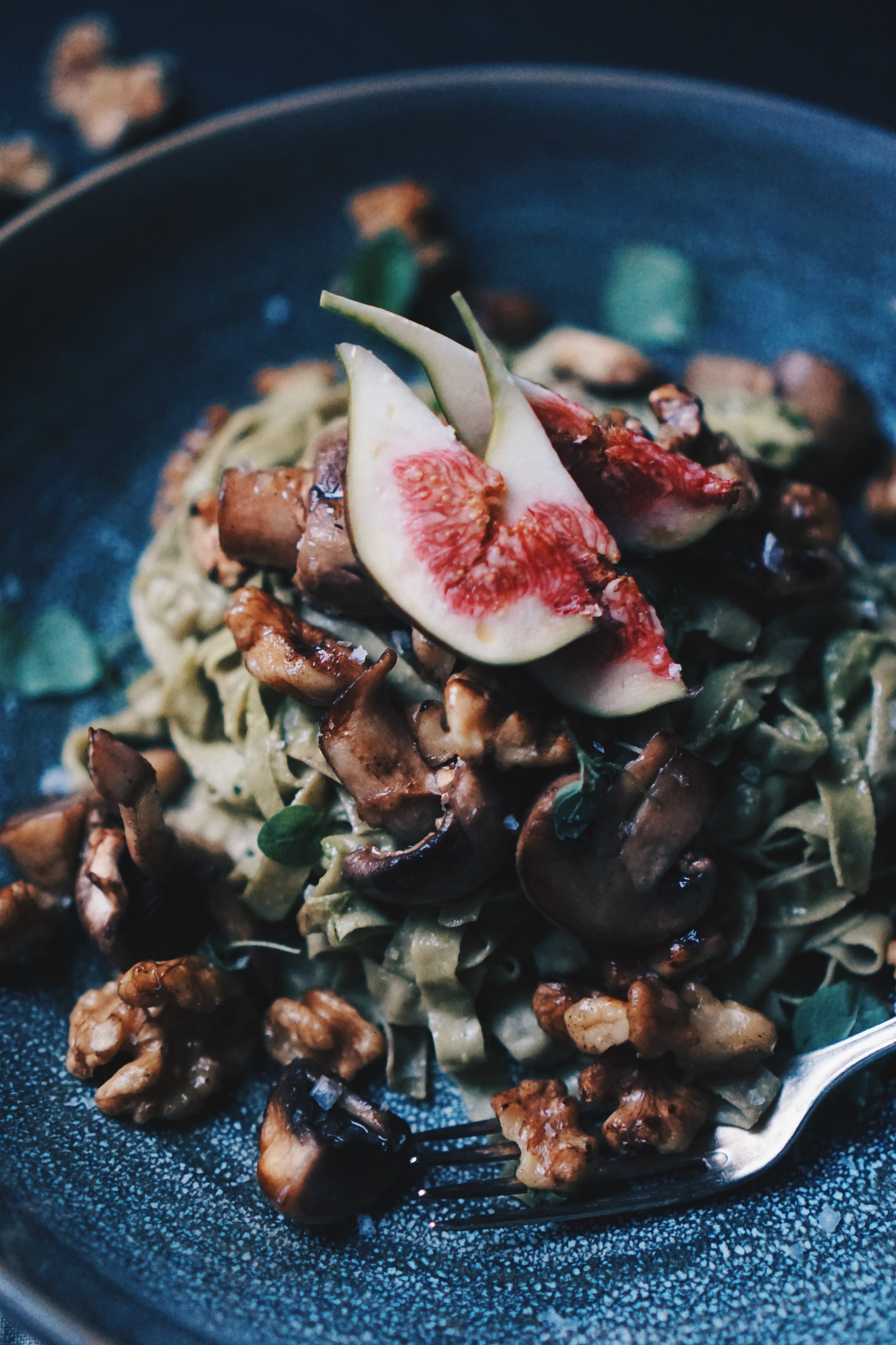 Figs, so tasty and perfect to decorate anything from sandwiches to pastas!