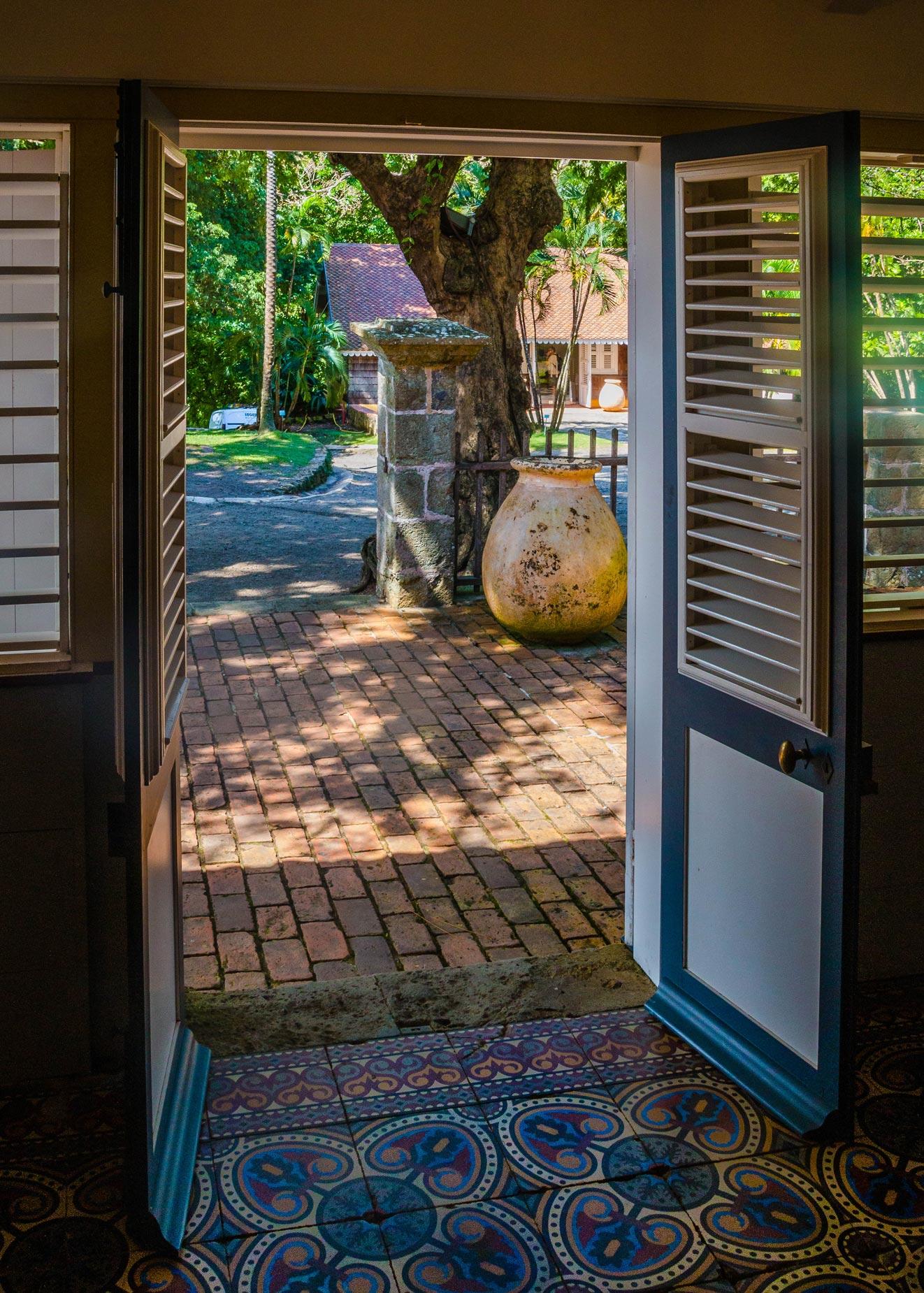 martinique_habitation-clement_door_2459.jpg