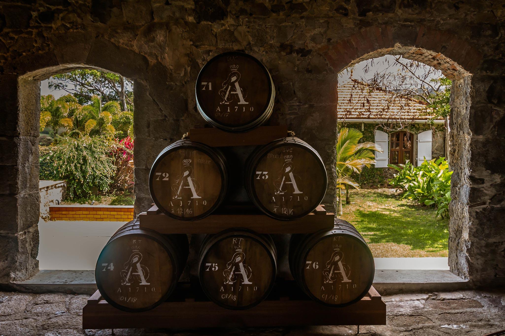martinique, habitation du simon : chai futs de rhum