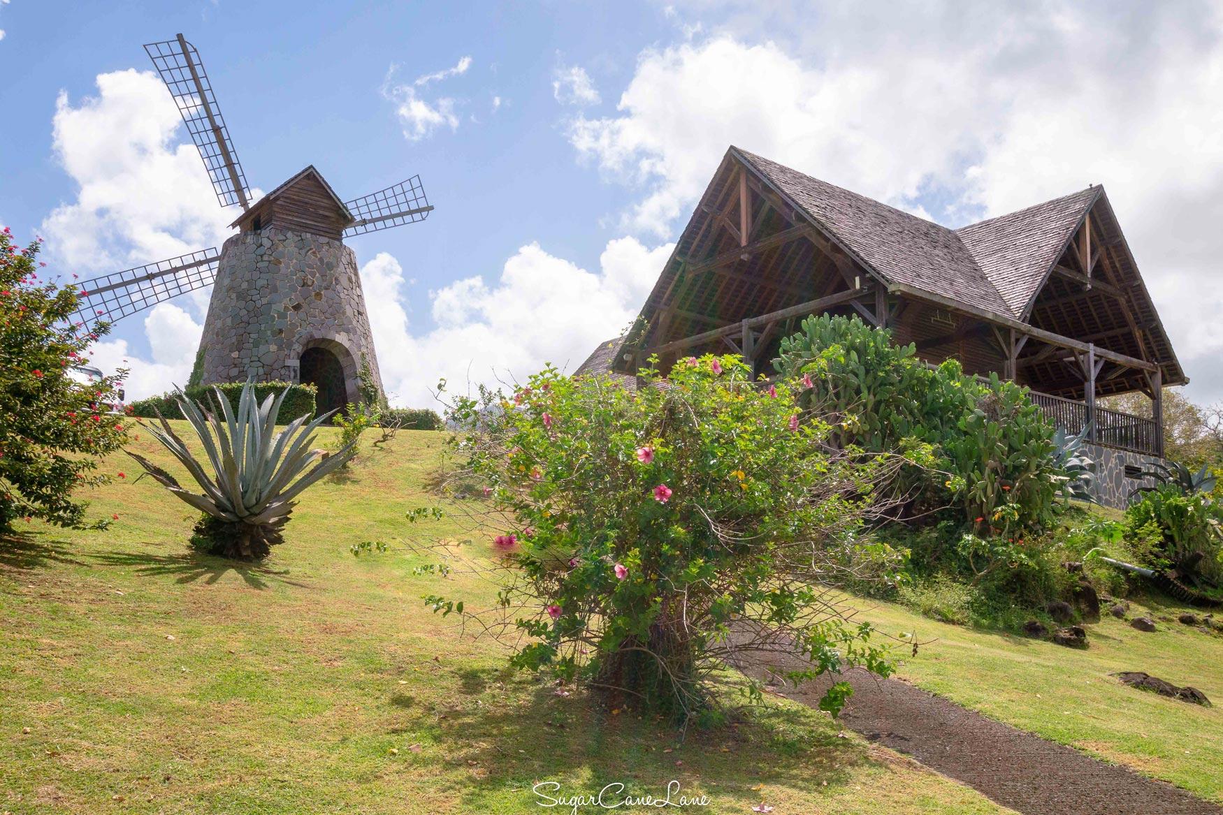 martinique : moulin de l'habitation trois rivieres