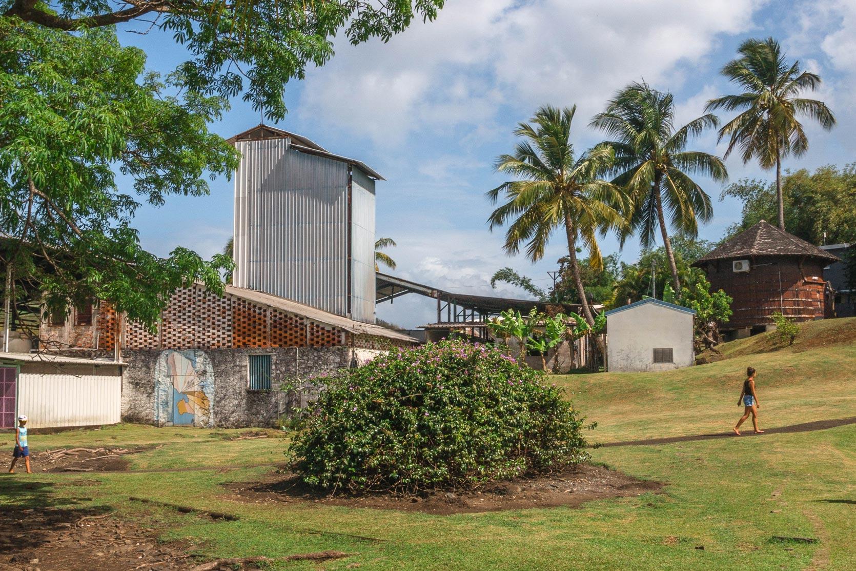 martinique : distillerie de la plantation trois rivieres