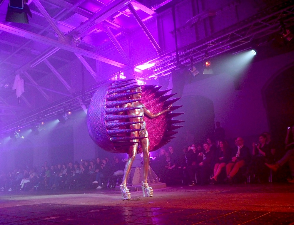 Artconnect-Berlin-Review-Berlin-Alternative-Fashion-Week-Jack-Irving1.jpg