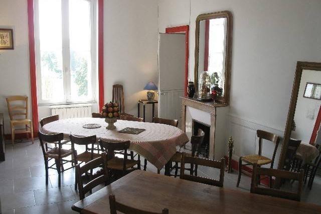 gite Manoir des Badinons - salle a manger