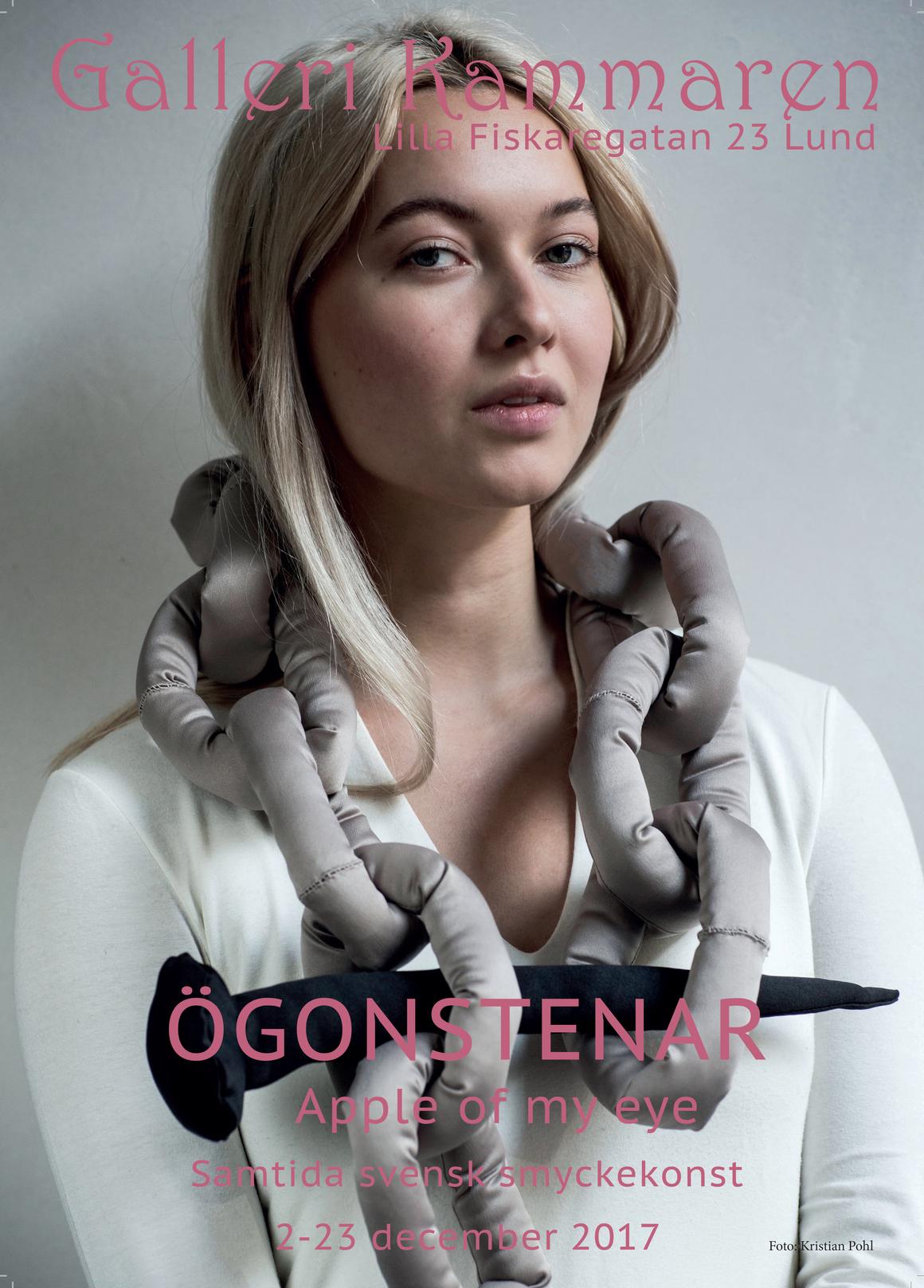 Textilt collier av Karin Gyllerfelt  Foto Kristian Pohl