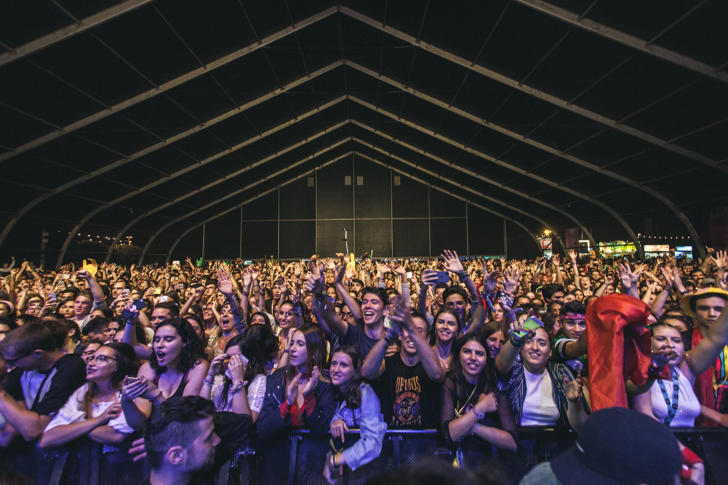 The crowd inside the Sagres stage. Credit: Jose Fernandes