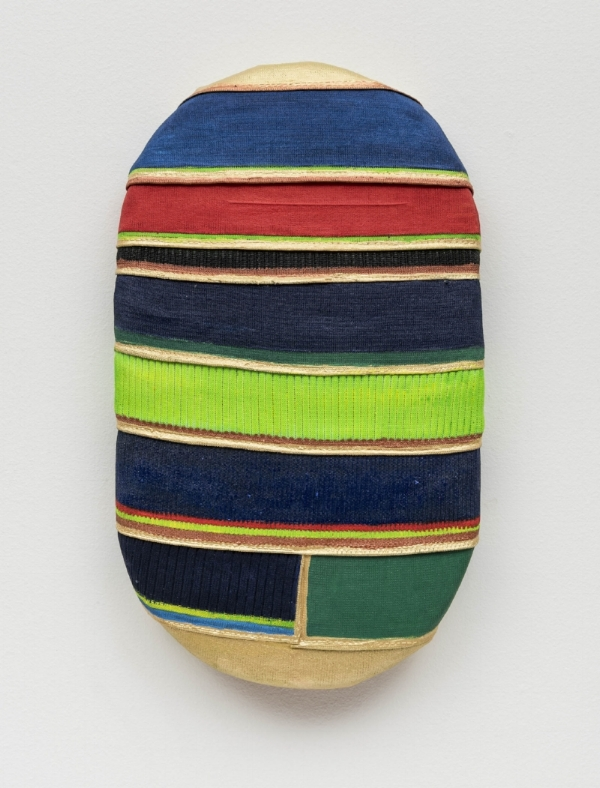 Leda Catunda   Boy, 2016  acrílica s/ tela, tecido, 46 x 27 cm   Boy, 2016  acrylic and fabric on canvas, 18  ⅛ x 10  ⅝  inches