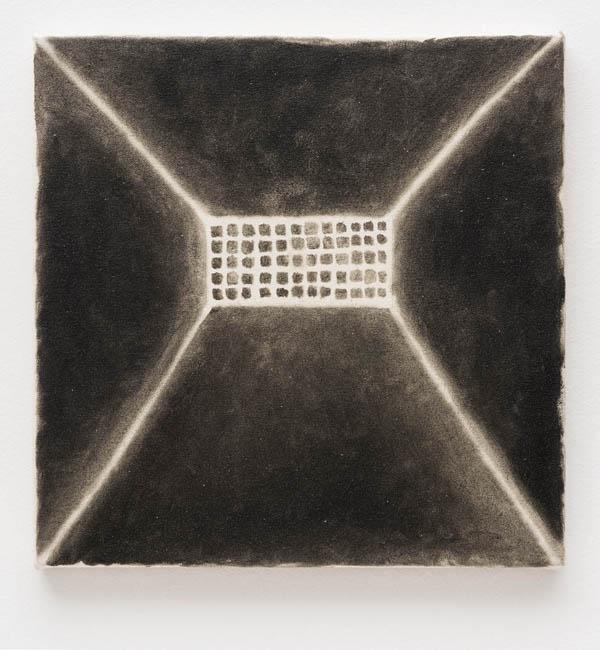 Tiago Tebet   Burka 2 , 2016 óleo sobre tela 30 x 30 cm   Burka 2 , 2016 oil on canvas, 11 13/16 x 11 13/16 inches