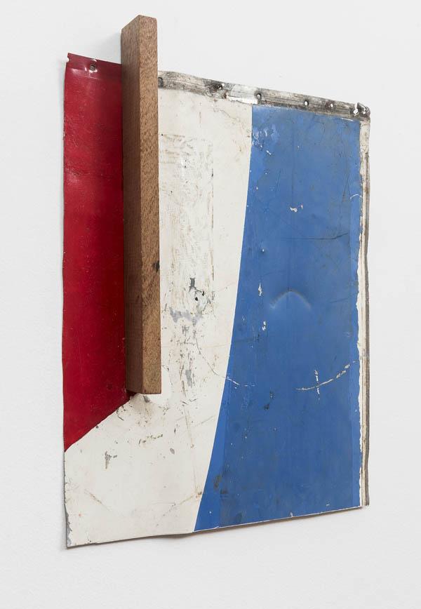 Emmanuel Nassar   Lata 8 , 2015 Pintura sobre chapa metálica, vergalhão e madeira, 53 x 41 cm   Lata 8 , 2015 Painting on sheet metal, rebar and wood, 20 7/8 x 16 1/8 inches