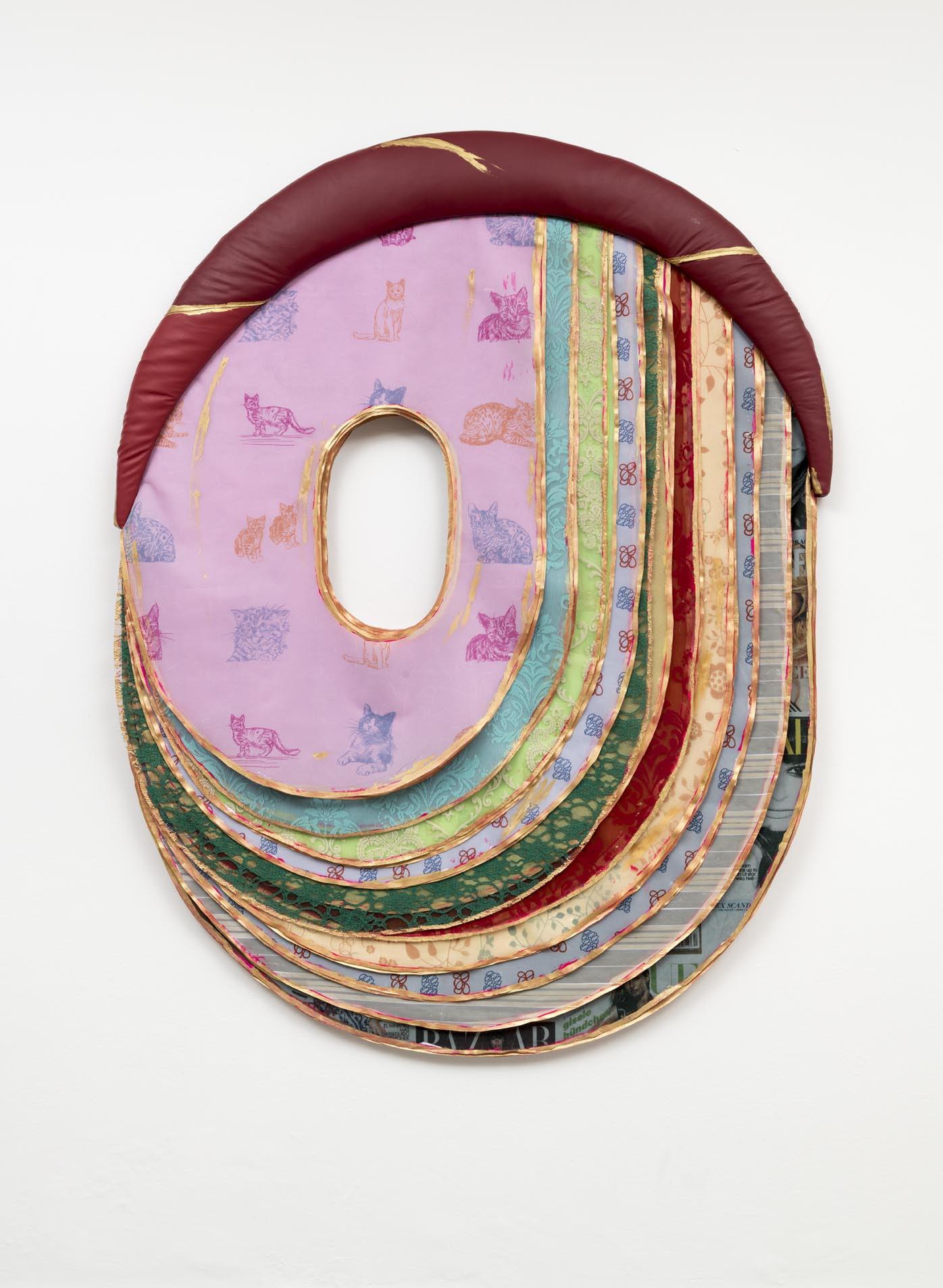 Leda Catunda,  Gatinhos, 2017, acrílica sobre voile, tecido, madeira e couro [a crylic on voile, cloth, wood and leather ] 162 x 124 cm