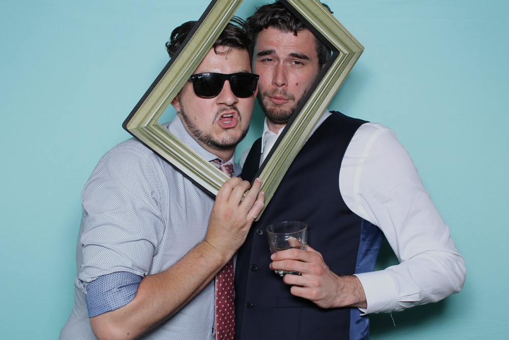 PARTY PHOTO STATION