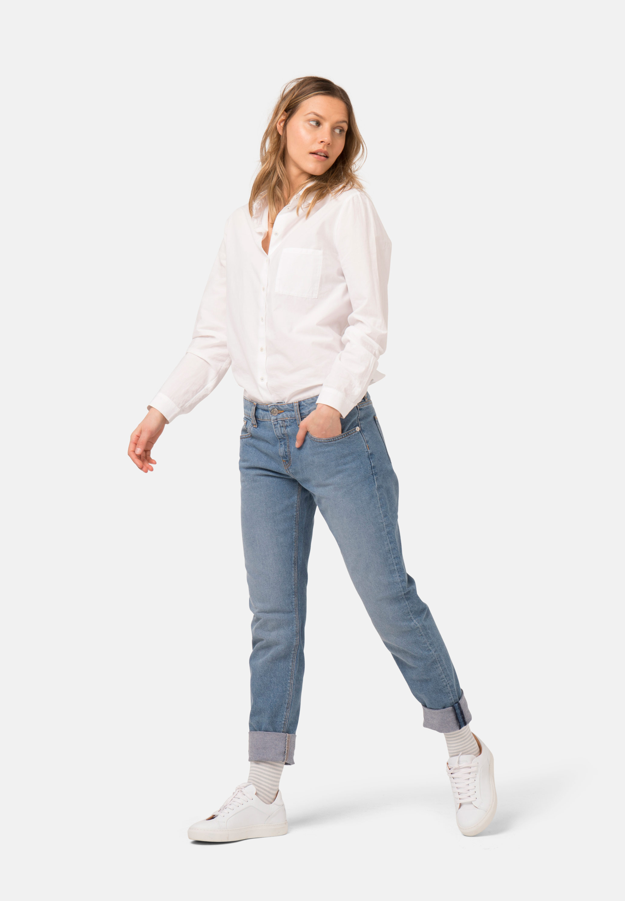 Mud Jeans work by being part of the circular economy they are creating a world where waste will be reused. At the moment, their jeans consist of between 23% – 40% post-consumer recycled denim.   MUD Jeans £119