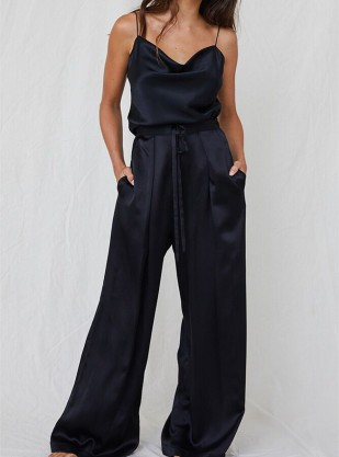 Their curation of designers strives to offer the best in sustainable luxury fashion and lifestyle. They feature fashion lines that use organic materials and fair labour practices.   Reve En Vert Silk Trousers £150