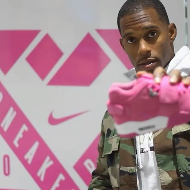 Victor Cruz with the Nike Air Cruz