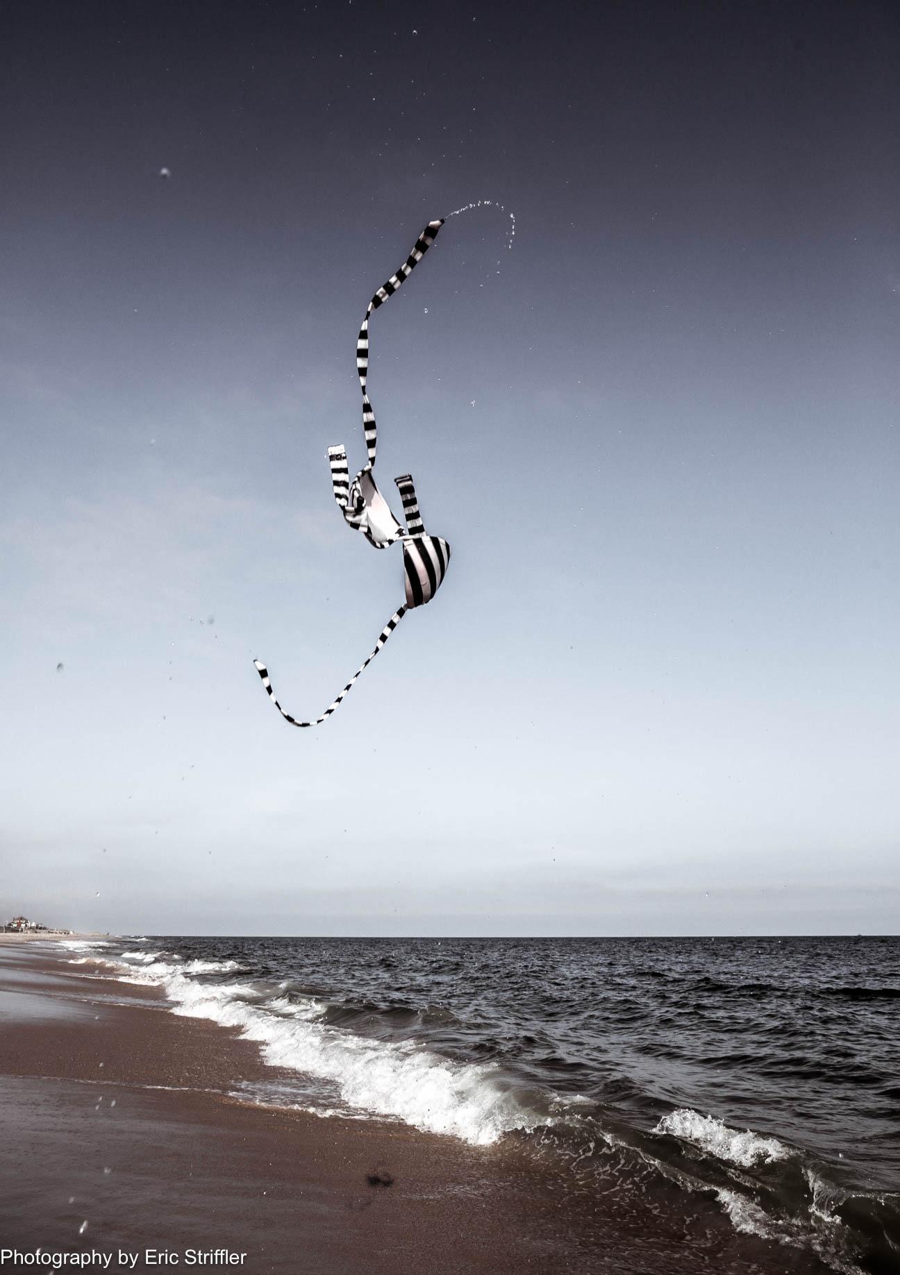 flying_bikini2-0020.jpg