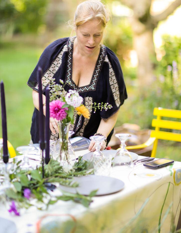 entertaining_garden_dinner_party-1.jpg