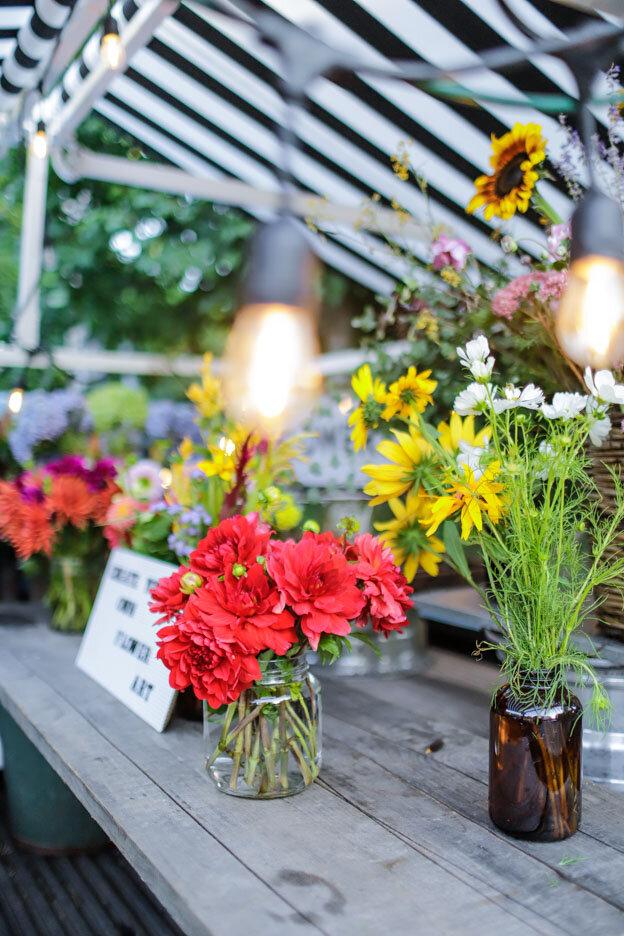 entertaining_garden_dinner_party-17.jpg