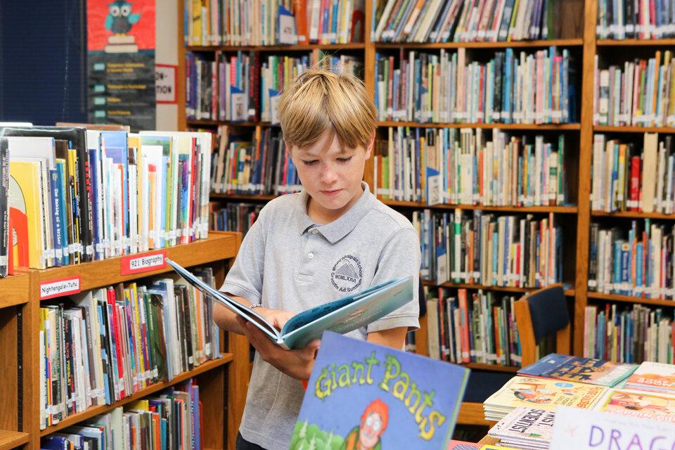 BookFair6_1I8A2762.jpg