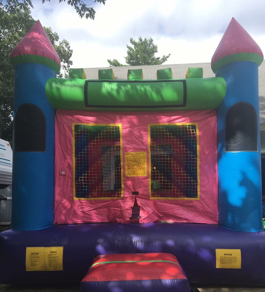 Dream CastleBounce House13x13x15135.00 -