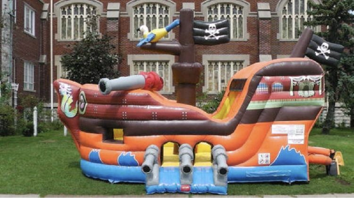 Pirate ShipBounce and Slide19'x15'x14'250.00 -