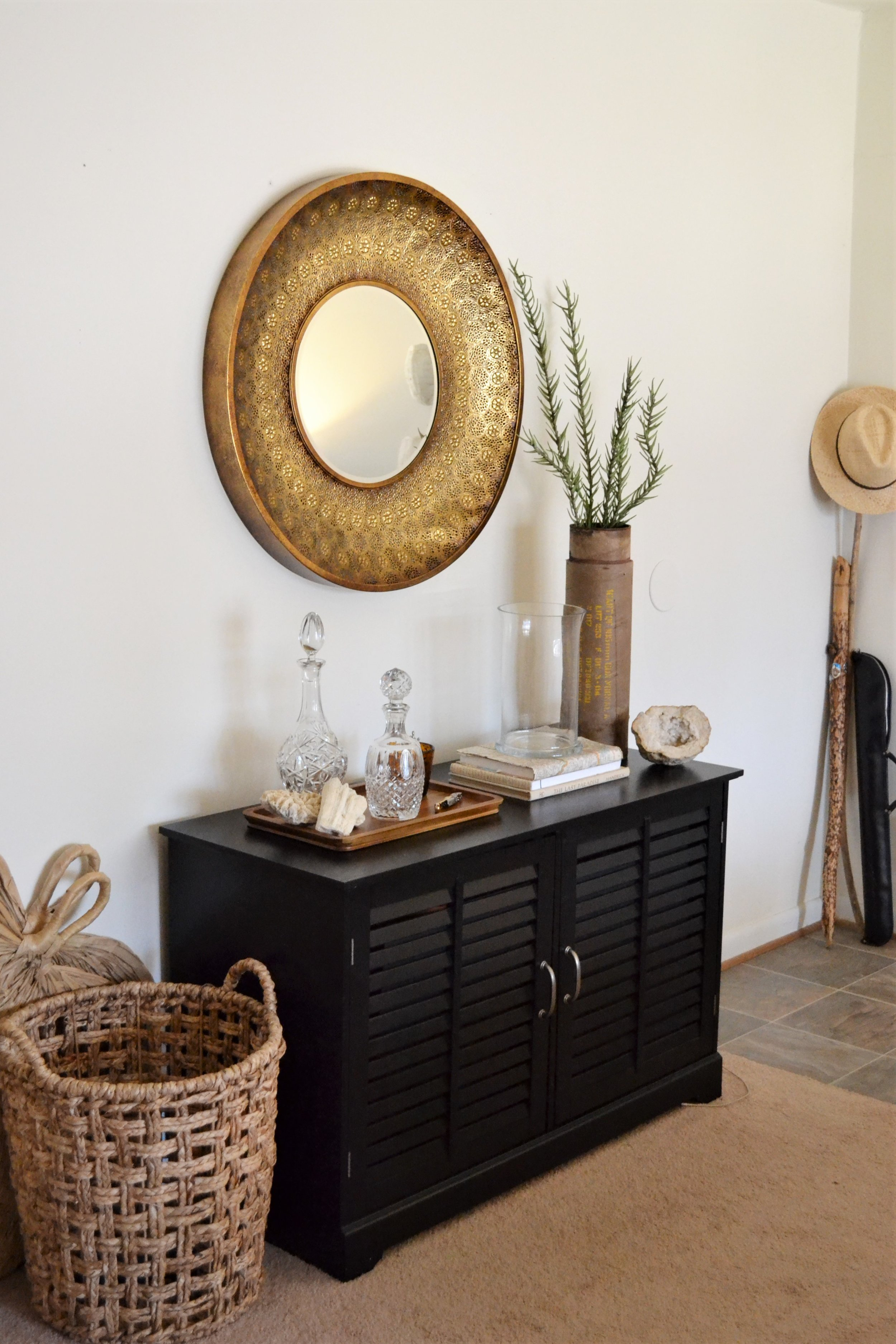 1 Entry Styled 3 Ways - Making Room for Peace 19.JPG