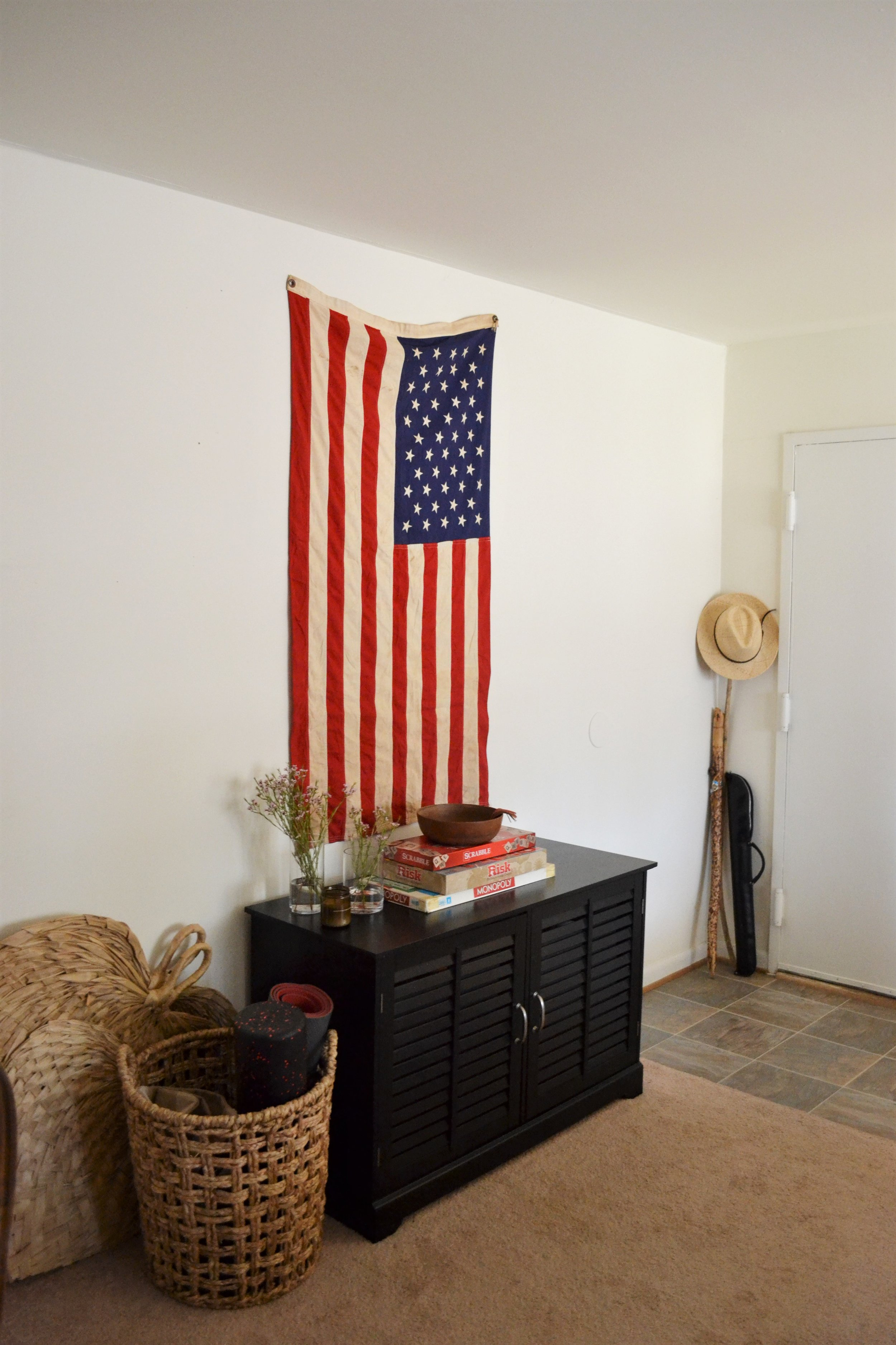 1 Entry Styled 3 Ways - Making Room for Peace 10.JPG
