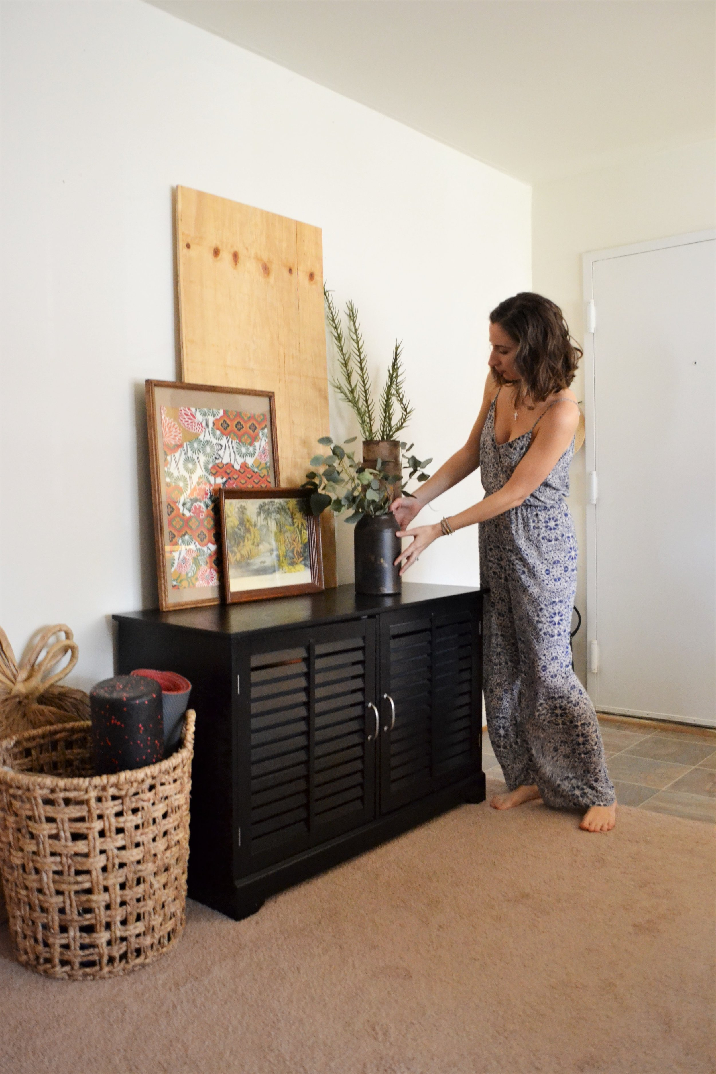 1 Entry Styled 3 Ways - Making Room for Peace 06.JPG