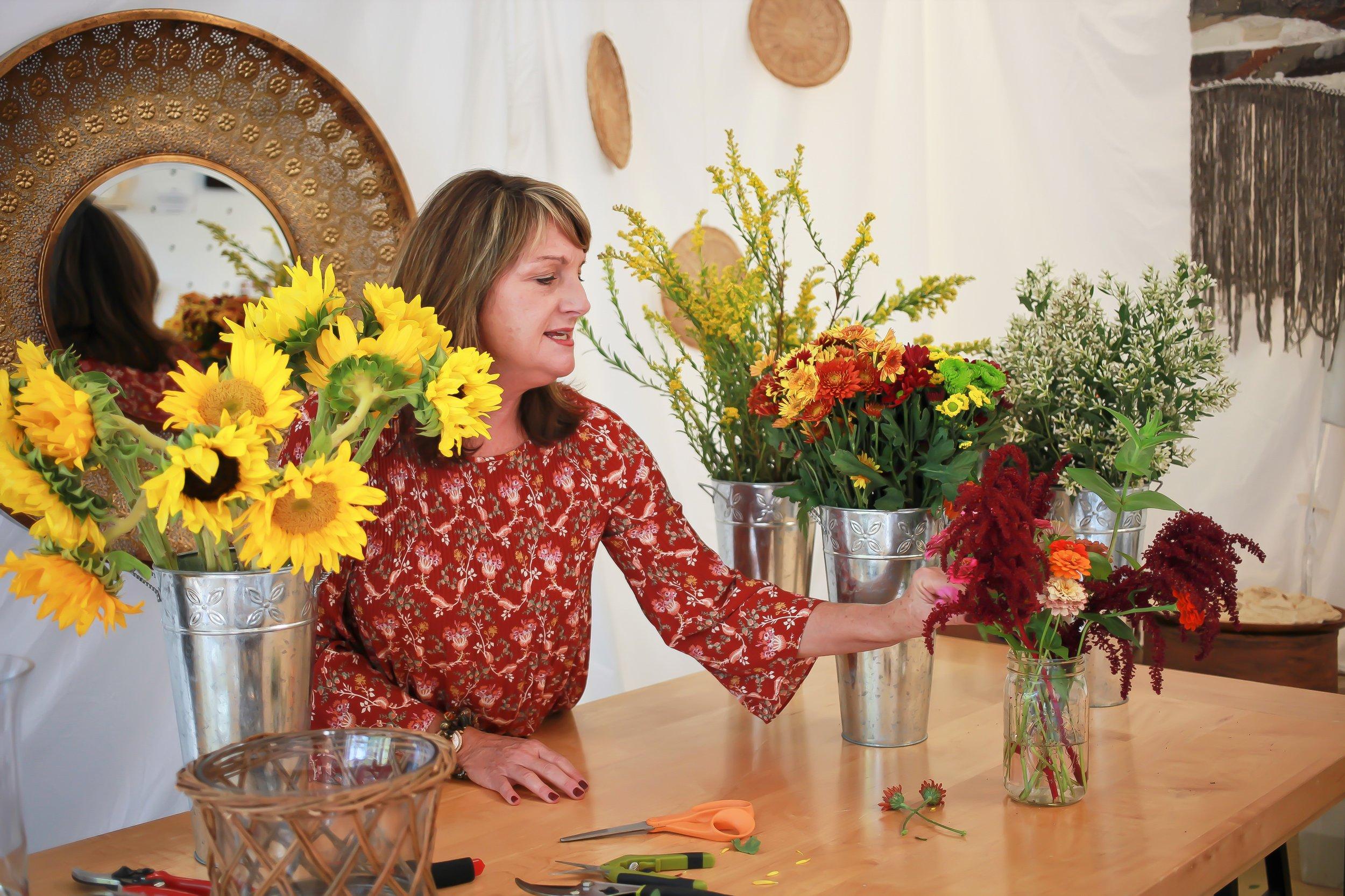 Creating Autumn Floral Arrangements - MRFP 01.jpg