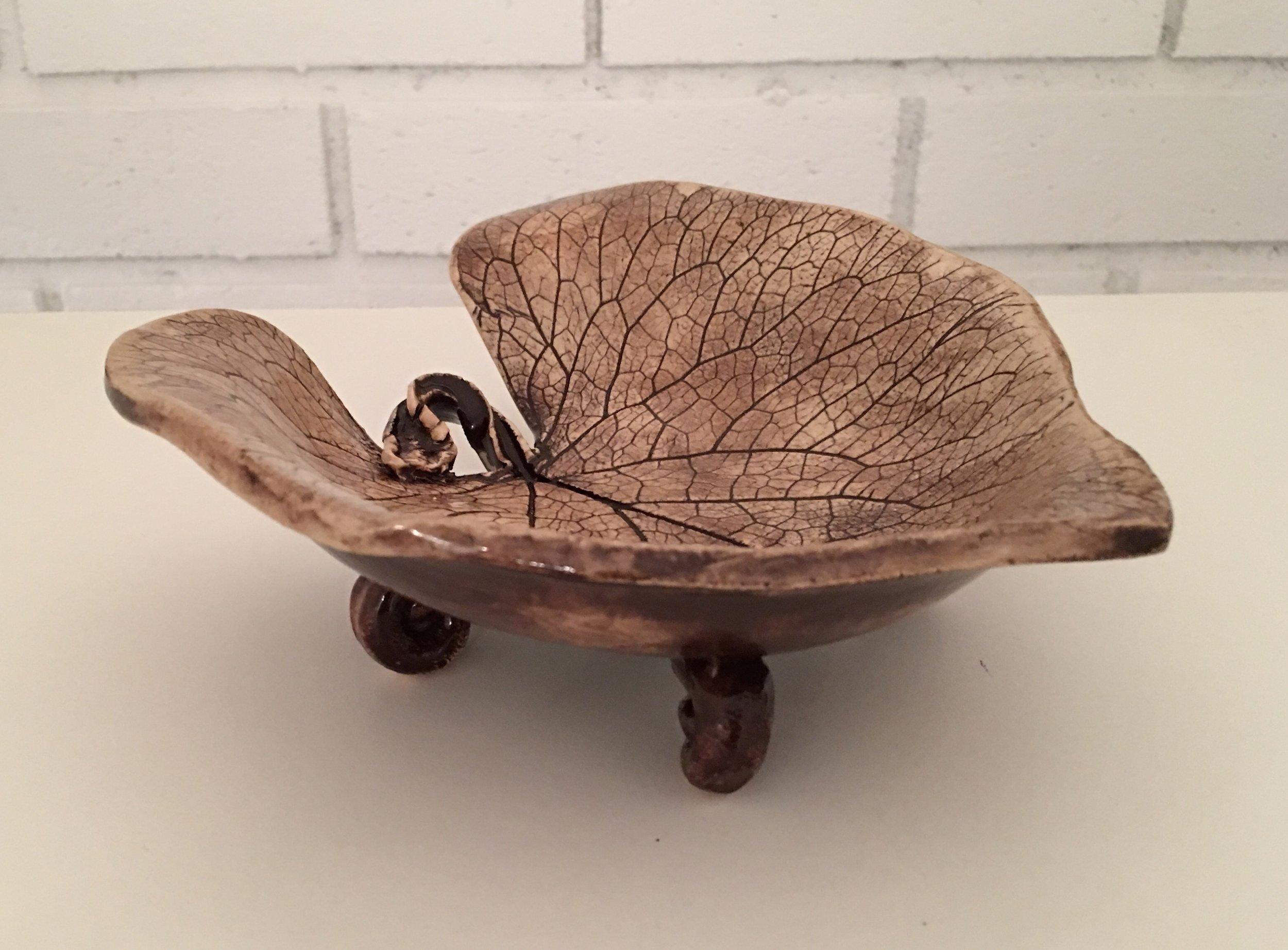 Sweet Little Single Leaf Dish