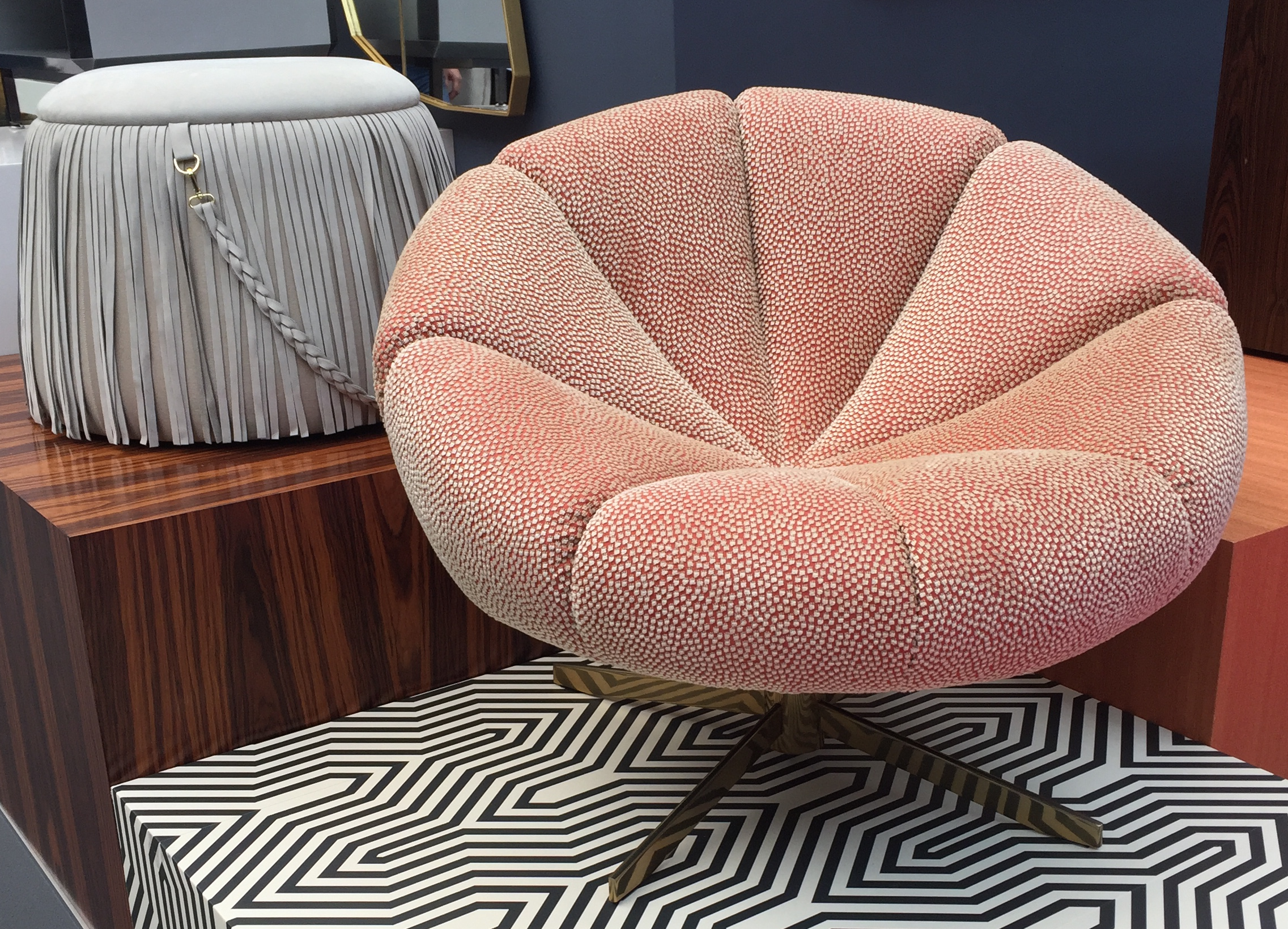 Groovy seating by   Jetclass   to add a bit of glam to your home