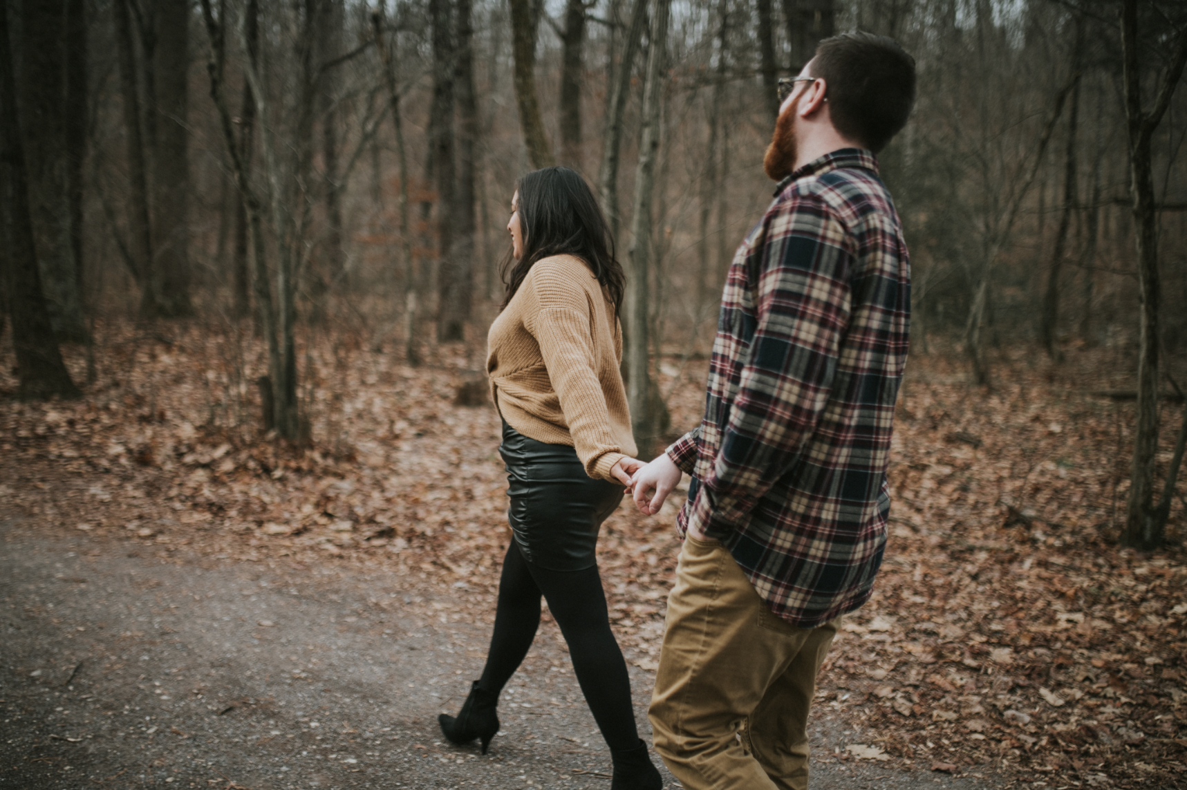 matt-natalia-winter-woods-engagement-session-pennsylvania-wedding-photographer-4