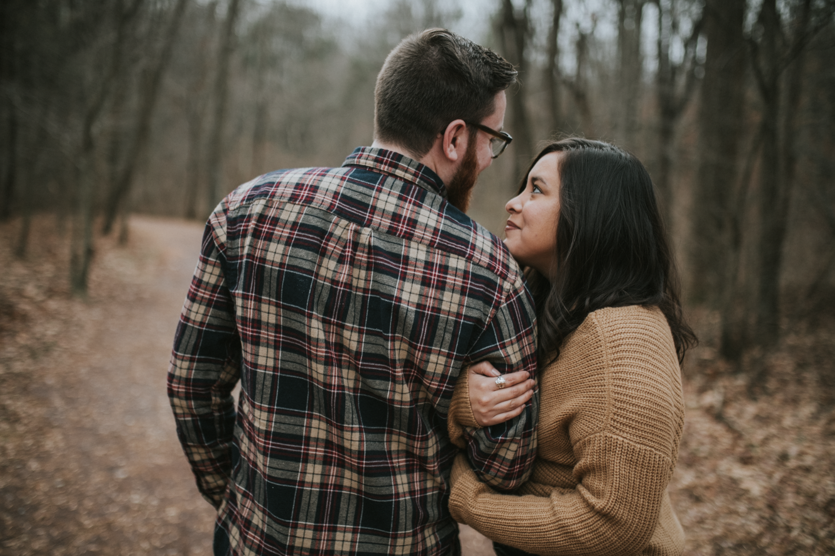 matt-natalia-winter-woods-engagement-session-pennsylvania-wedding-photographer-8